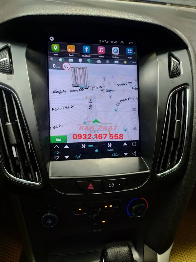 Lắp màn hình Tesla cho Ford Focus