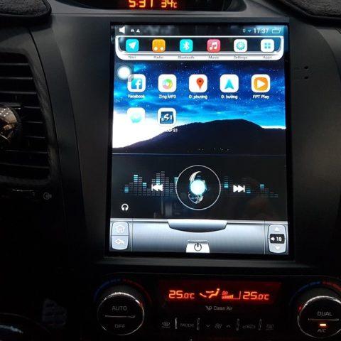 Lắp màn hình Tesla cho Kia Cerato
