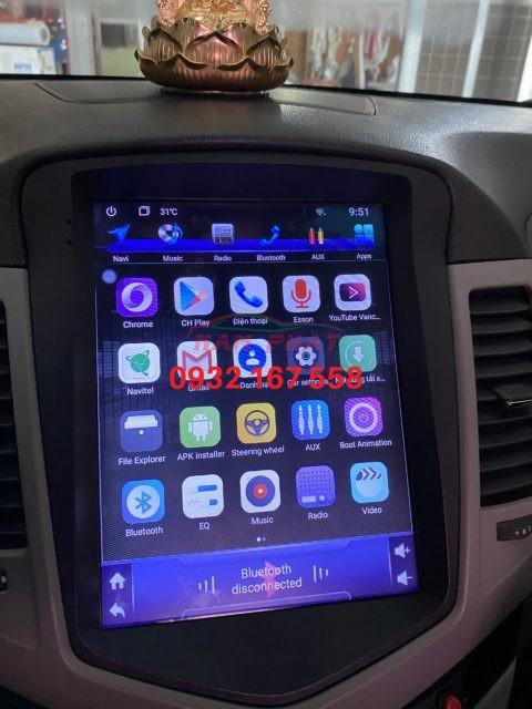 Lắp màn hình Tesla cho Toyota Land Cruiser