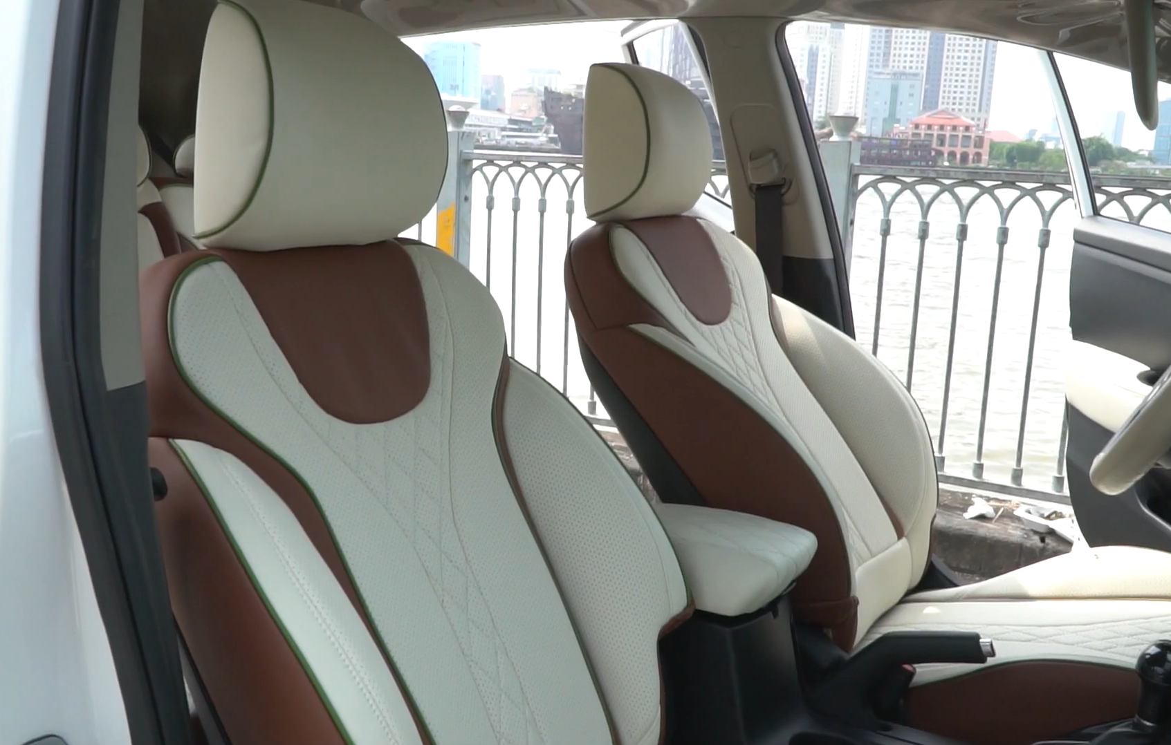 Bọc ghế da xe Kia Rondo
