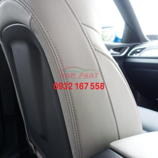 Side stitching on passenger Q3 seat 600x600 1