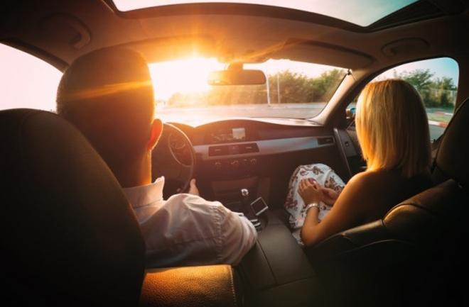 Bỏ túi vài kinh nghiệm chống chói mắt khi lái xe
