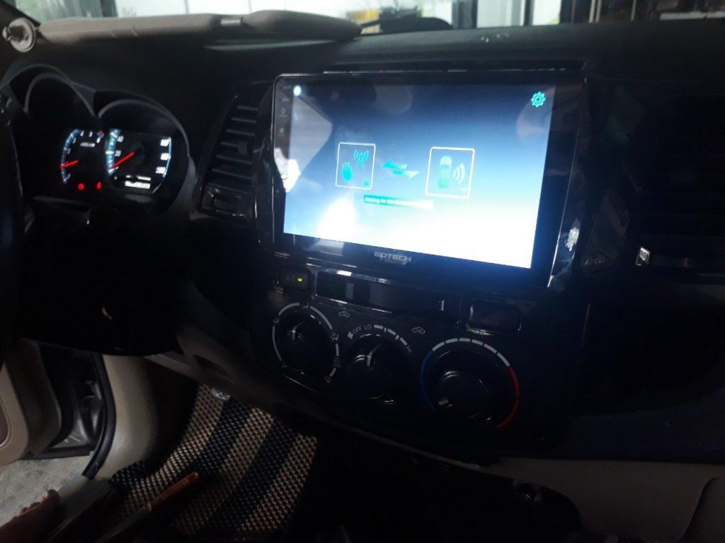 MAN-HINH-ANDROID-GOTECH-TOYOTA-FORTUNER